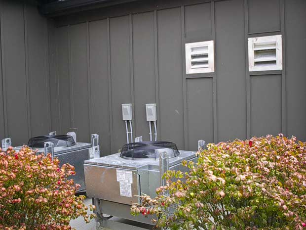 Outdoor heat rejection units